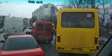 На Прикарпатті маршрутка потрапила в аварію – відмовили гальма. ФОТО