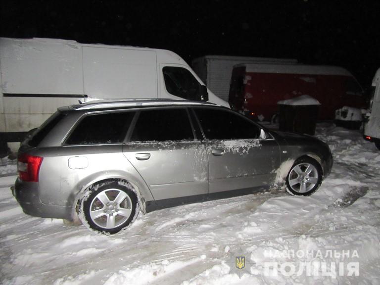 Прикарпатець побив чоловіка і викрав його автомобіль