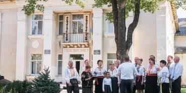 На Коломийщині руйнується найбільший будинок культури – Андрій Іванчук пообіцяв допомогти з ремонтом. ФОТО