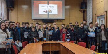 """Одразу три школи на Коломийщині отримають комп'ютерні класи від БФ """"Покуття"""". ФОТО"""