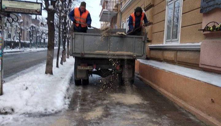 Як коломийські комунальники працюватимуть цієї зими та скільки мають спецтехніки