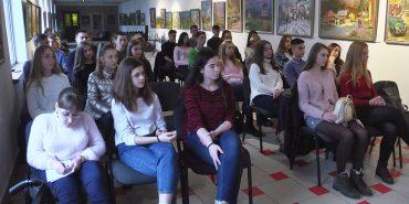 """""""Можливості в Україні"""": такий проект організував юний коломиянин для місцевої молоді. ВІДЕО"""