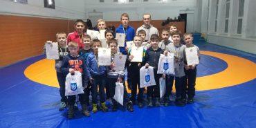 Юні коломийські борці здобули найвищі нагороди на всеукраїнському турнірі. ФОТО