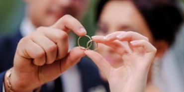 Пара з Прикарпаття, яка у шлюбі 17 років, вирішила одружитися повторно