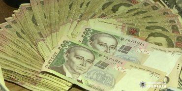 Чиновника служби автодоріг Івано-Франківщини підозрюють в розтраті держбюджету