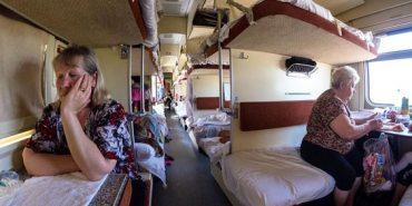 У поїздах подорожчали чай, кава і білизна: відомі нові ціни
