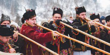 Фоторепортаж. Гуцульська коляда у Криворівні – справжній дух різдвяних Карпат