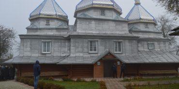 """У Коломийському районі триває боротьба за """"московську"""" церкву"""