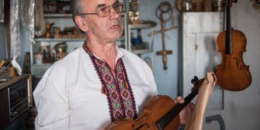 Він розгадав секрет Страдіварі: Василь Мартищук у Ковалівці створює унікальні скрипки. ВІДЕО