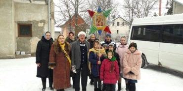 Віряни привітали підопічних Коломийського геріатричного пансіонату з Різдвяними святами