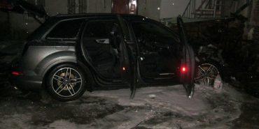 Вночі у Коломиї двоє невідомих підпалили автомобіль