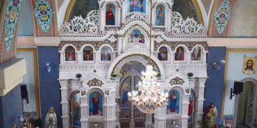 Унікальний іконостас із 1,5 млн бісеринок прикрашає церкву на Тернопільщині