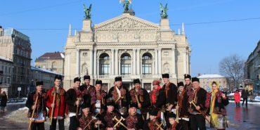 Автентичний одяг, коляда і весільні традиції: гуцули дивували львів'ян своєю культурою. ФОТО
