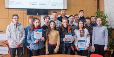 """Відео. Майже 200 комп'ютерів отримали за три роки школи Коломийщини від фонду """"Покуття"""""""