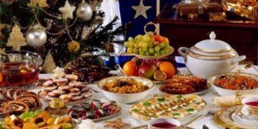 Як не відмовляти собі у святкових стравах і не переїдати: 7 порад