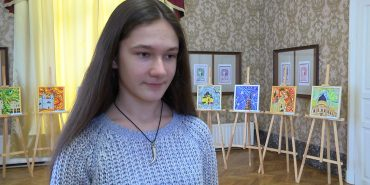 """""""Коломийський рік"""": юна коломиянка представила персональну виставку. ВІДЕО"""