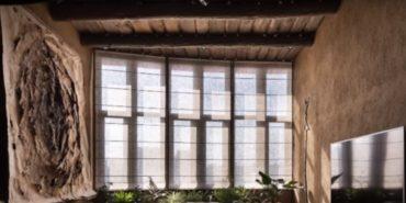 Дизайнер перетворив квартиру на двоповерхову мазанку: старовинне корито для прання та кізяки на стінах. ВІДЕО