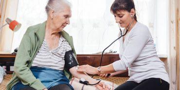 Карітас пропонує коломиянам платні послуги по догляду за літніми людьми. ПЕРЕЛІК