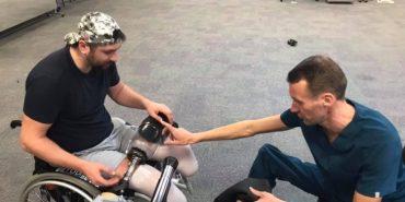 Поранений боєць з Калущини Микола Левкун отримав протези і в 33 роки знову почав ходити. ФОТО