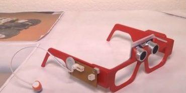 15-річний школяр з Дніпра створив електронні окуляри для незрячих