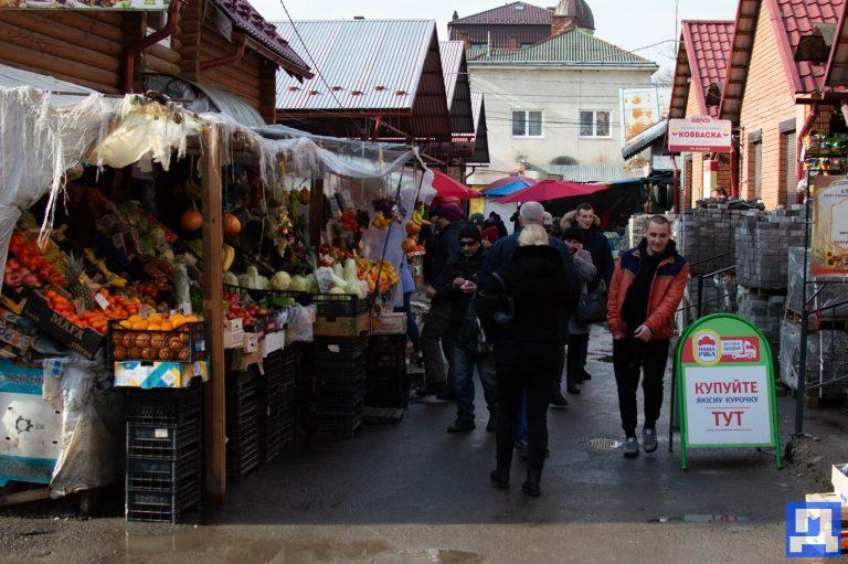 Фотопроект. Колоритні кадри коломийського ринку