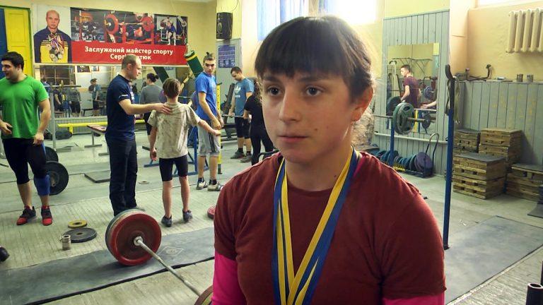 Коломиянка Віталія Филипів розповіла про перемогу на чемпіонаті України з важкої атлетики. ВІДЕО