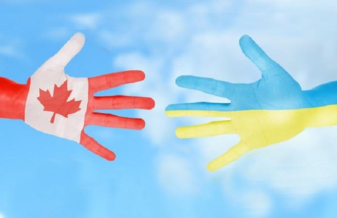 Українська громада Канади передала кошти для родин Героїв Небесної Сотні