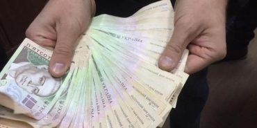 У Коломиї за 200 тисяч хабара судитимуть податківця