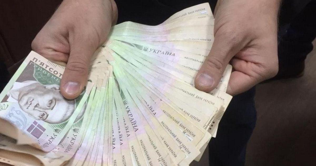 """Результат пошуку зображень за запитом """"На Коломийщині за хабар у 200 тисяч гривень судитимуть податківця"""""""