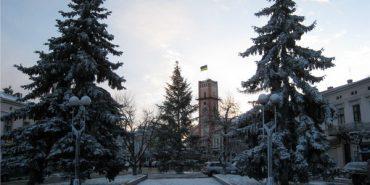 До обіду буде ясною, тільки ввечері на небі з'являться хмари: погода в Коломиї на 9 лютого