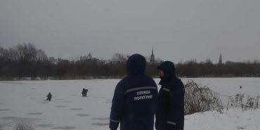 Коломийські рятувальники не пустили на лід п'яних рибалок
