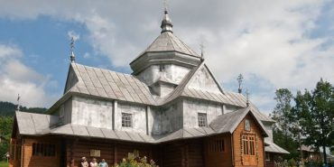 """На Франківщині презентують телепроект """"Унікальні дерев'яні церкви Верховинського району"""""""