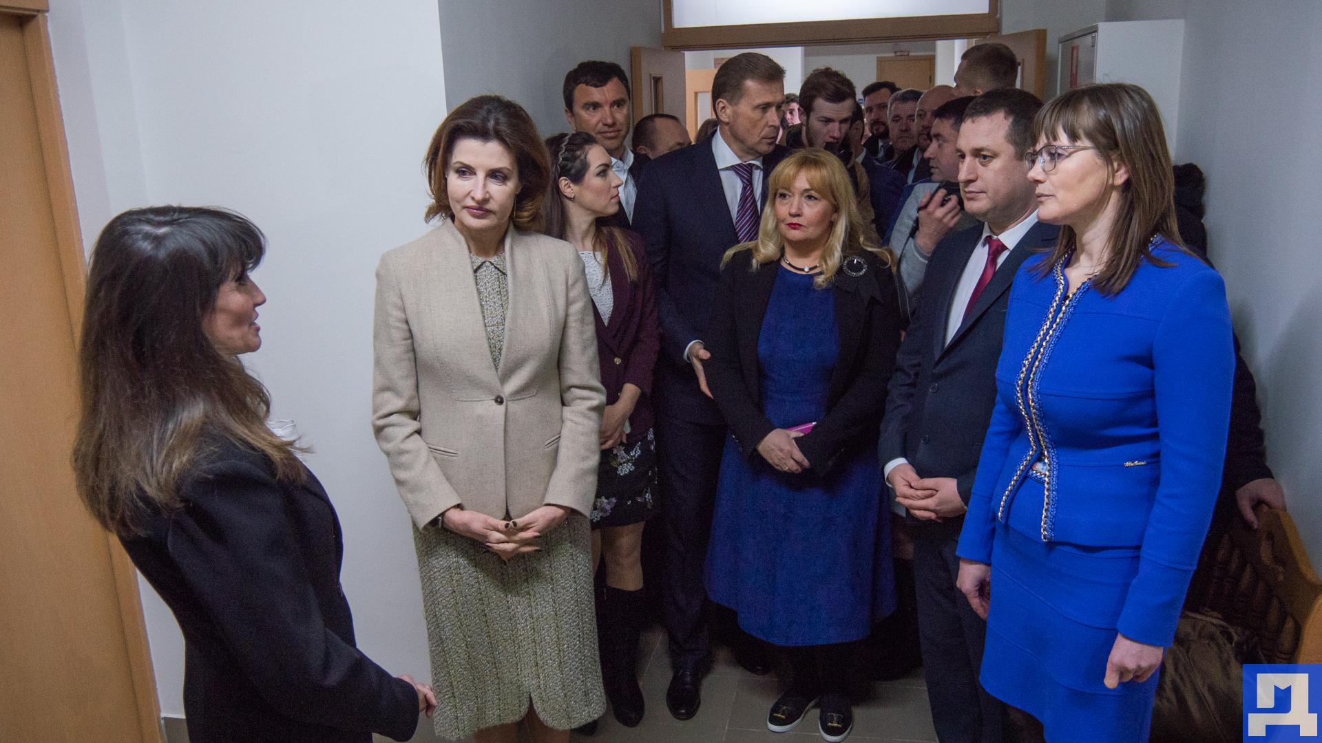 ФОТОРЕПОРТАЖ. Перша леді Марина Порошенко у Коломиї - Дзеркало Коломиї 5d517aa2a35e6