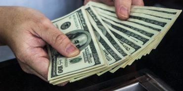 Українська діаспора щороку заробляє понад 100 млрд доларів
