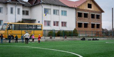 У Дебеславцях громада самотужки будує школу. ФОТО