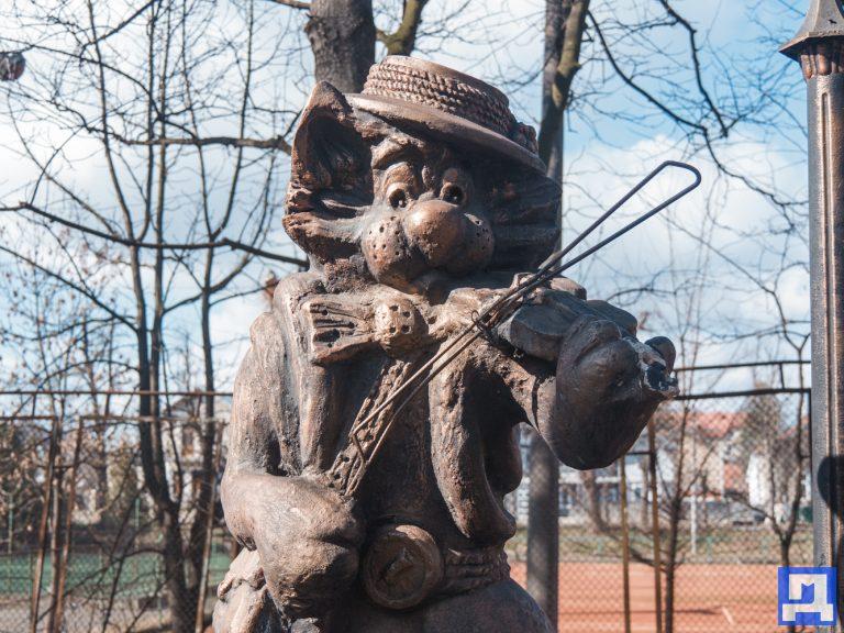 Хто і навіщо у Коломиї займається вандалізмом?