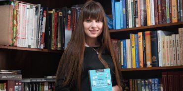 Книги, педагогіка і творчість у 17 років. Коломиянка Юлія Пазюк та її 10 із 10 для Байдака. ФОТО
