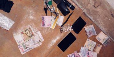 """На Прикарпатті  затримали """"на гарячому"""" двох збувачів наркотиків. ФОТО"""