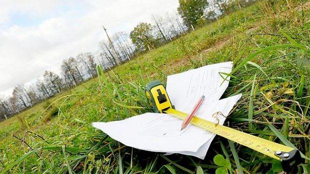 Прокурори Прикарпаття у минулому році повернули у комунальну власність 374 гектари землі