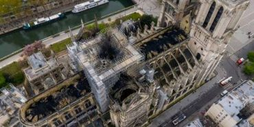 В інтернеті створили гігапіксельну зйомку, на якій можна побачити згорілий собор Паризької Богоматері