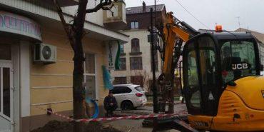"""У зв'язку з відсутністю водопостачання на деяких вулицях, """"Коломияводоканал"""" щодня здійснюватиме підвіз води"""