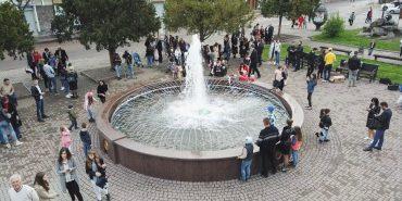 ФОТО. Великодня Коломия: як запускали фонтан і 3D писанку