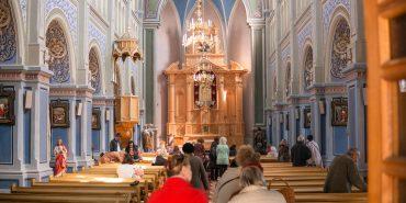 У Коломиї християни західного обряду святкують Великдень. Фото з костелу