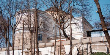 Мур біля Михайлівської церкви – аварійний: депутат б'є на сполох