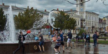 Як в Коломиї поливаний понеділок святкують. ФОТО