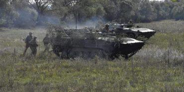 Бійці 10 гірсько-штурмової бригади, що дислокується в Коломиї, показали знищення ворожого бліндажу. ВІДЕО