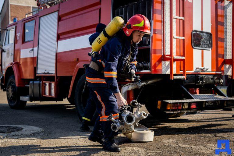 Минулої доби на Коломийщині гасили 5 пожеж
