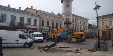 У середмісті Коломиї через ремонтні роботи перекритий рух транспорту