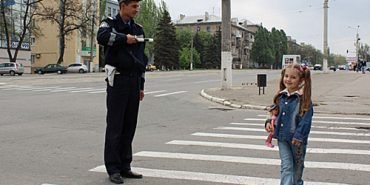 Правоохоронці Івано-Франківщини вчитимуть пішоходів переходити дорогу