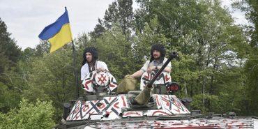 Бійці 10-ої гірсько-штурмової бригади одягнули танк у вишиванку. ФОТО, ВІДЕО